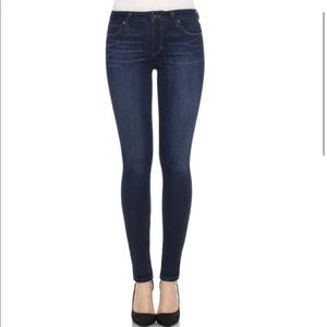 I ACCEPT OFFERS NEW joes jeans icon skinny jeans